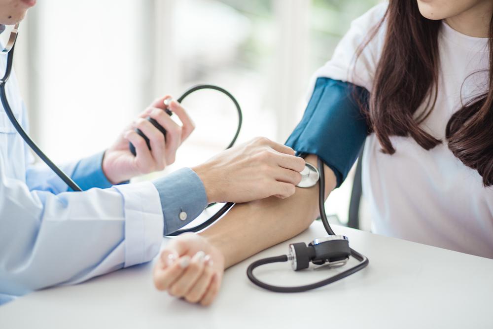 mit kell betartani a magas vérnyomás miatt ugró hipertónia