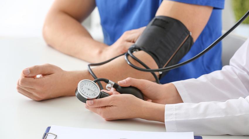 a sport magas vérnyomást kezel