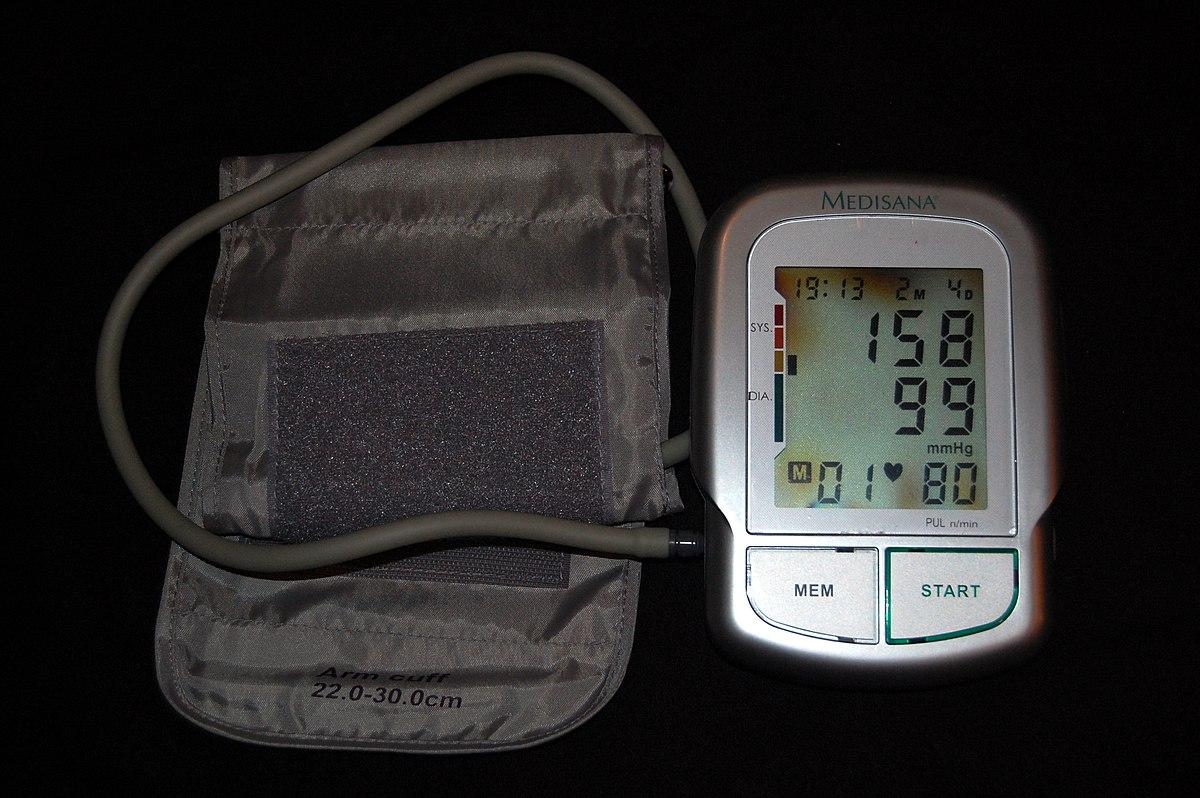 fokozatú magas vérnyomást kezelnek
