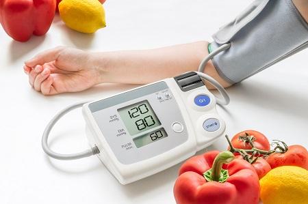 hányan élnek 2 fokos magas vérnyomásban