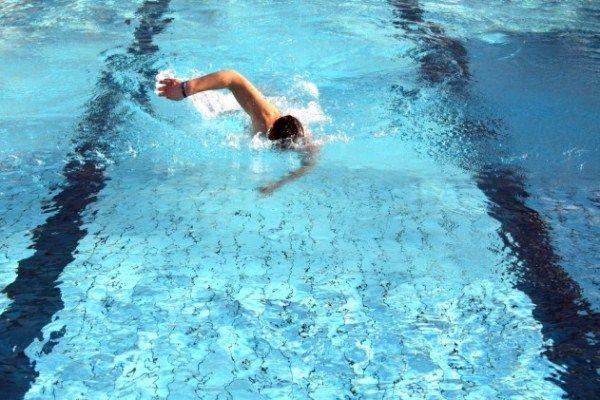 Ezért ússzon rendszeresen, ha magas a vérnyomása! - EgészségKalauz