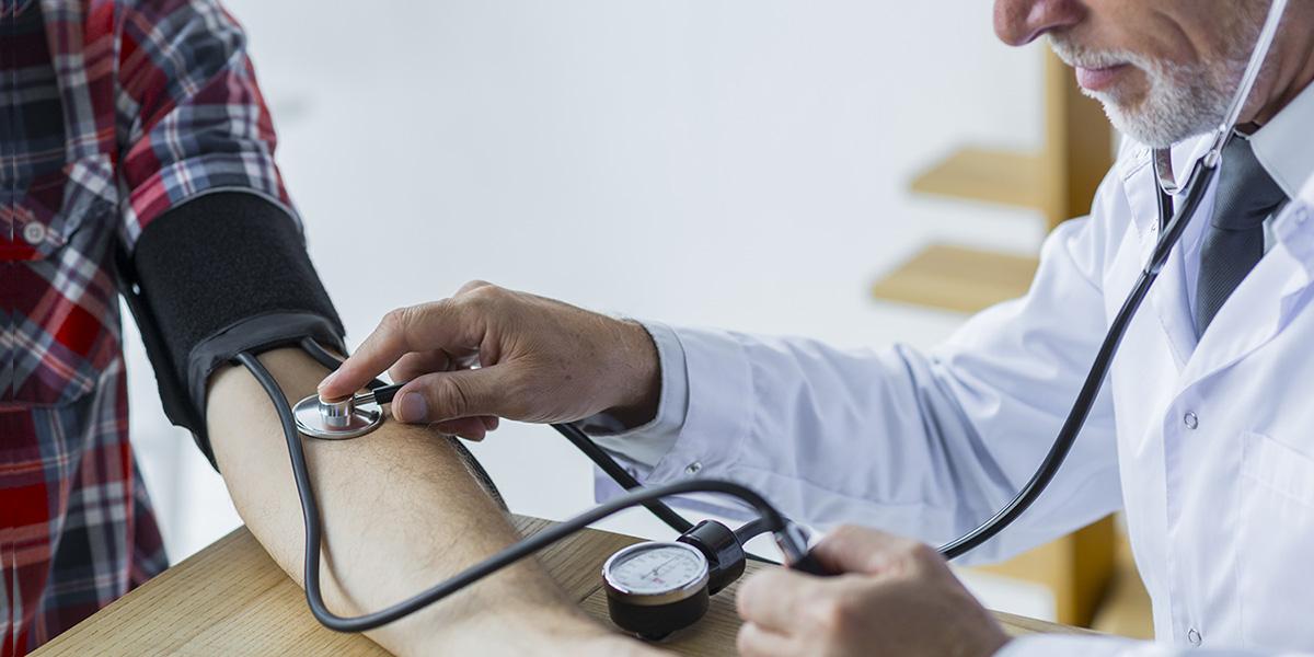 Mit jelentenek a számok a vérnyomásmérőn?