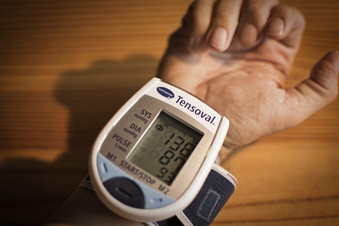 hipertónia alkalmasság A magas vérnyomás Sophora-kezelése