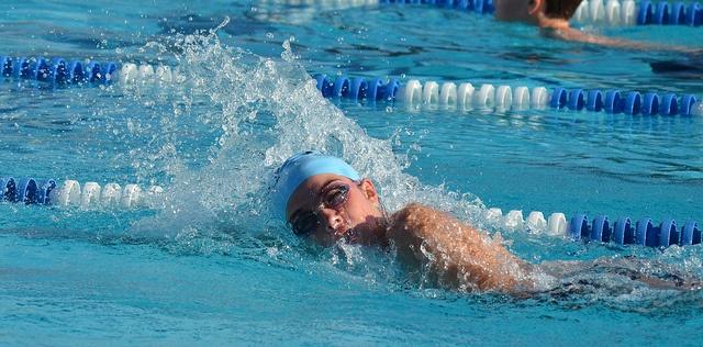 hogyan kell úszni magas vérnyomásban térd hipertónia
